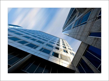 Rotterdam 5 (750) - Een kijkje naar boven bij Plaza en Manhattan Hotel Rotterdam........ mijn 750 e foto op zoom.nl........ dank voor de reacties..... gr Gerard - foto door gerard28 op 30-07-2012 - deze foto bevat: rotterdam, manhattan