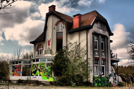 verlaten vila in Doel (Belgie)