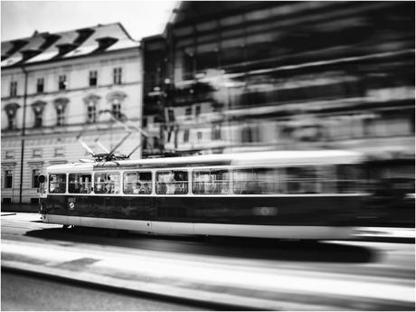 PragueWarpTram
