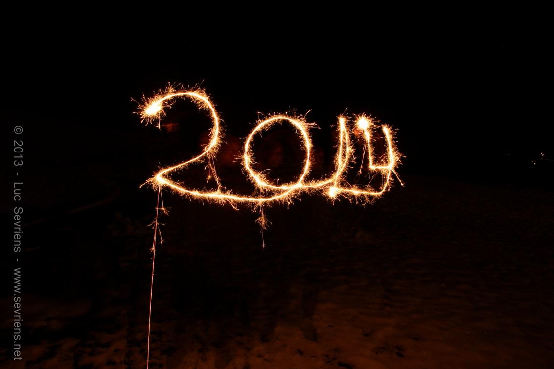 Mooie jaarwisseling! - Allemaal een mooie jaarwisseling gewenst en laat 2014 een fotogeniek jaar zijn! - foto door lucsevriens op 31-12-2013 - deze foto bevat: nieuwjaar, vuurwerk, 2014
