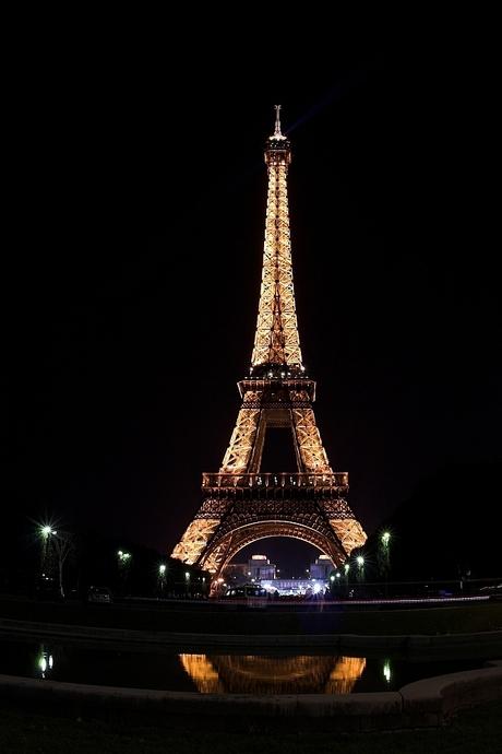 'S nachts kwam ik ineens deze toren tegen...