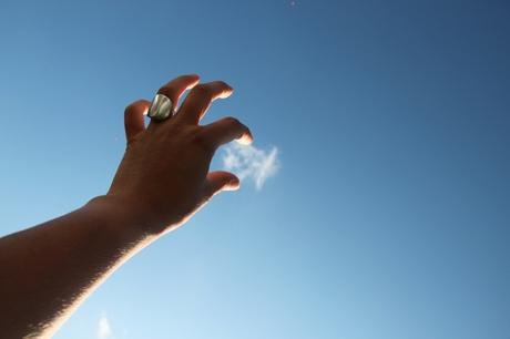 Ff wolkje wegplukken uit de strakblauwe hemel