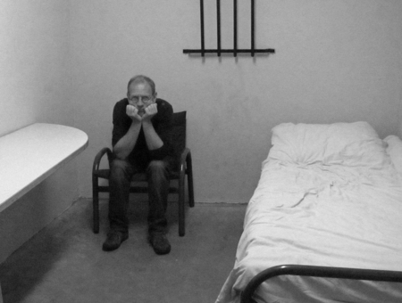 Bekentenis - Ik zal maar bekennen waarom zo weinig uploads de laatste tijd. Foto door mijn vrouw meegesmokkeld uit mijn cel. - foto door petervanmeurs op 17-11-2010 - deze foto bevat: gevangenis, veenhuizen, petervanmeurs