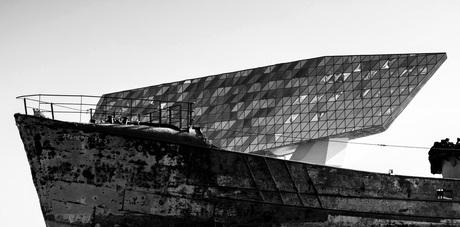 Havenkantoor Antwerpen: Een schip op een schip