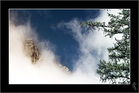 Vrij grote wolk