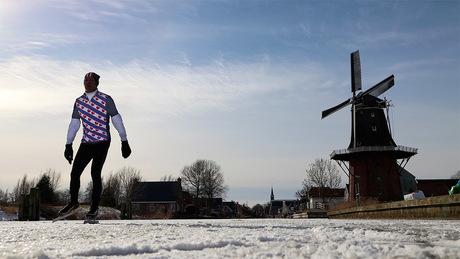 Schaatser in Friesland
