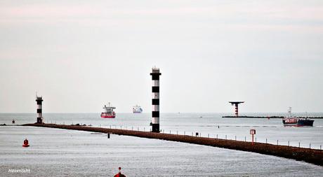 3) Havenlicht bij de Scheepvaart_DSC8110--