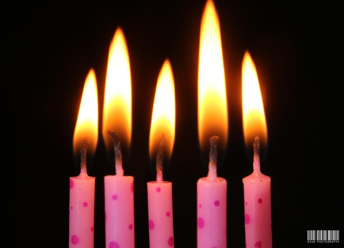 Hieper-de-piep hoera! - - - foto door susannekim op 23-07-2020 - deze foto bevat: vuur, kaars, verjaardag, macrofotografie
