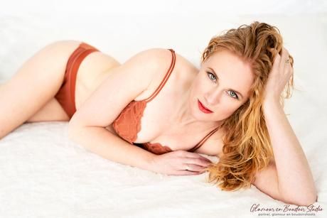 Nog een boudoir van deze prachtige roodharige