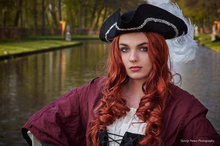 Elfia Pirate - Elfia Haarzuilens - foto door qmagic op 11-07-2020 - deze foto bevat: vrouw, portret, daglicht, flits, beauty, buiten, haarzuilens, kostuum, fotoshoot, pirate, cosplay, Elfia, elfiahaarzuilens
