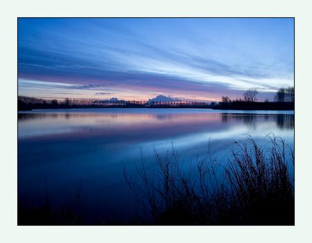 ochtendblauw - Vanmorgen. Groot Eiland nabij Hulst (Zeeuws-Vlaanderen) - foto door dikken op 03-02-2010 - deze foto bevat: hulst, ochtendgloed, zeeuws-vlaanderen, ochtendblauw, Groot Eiland