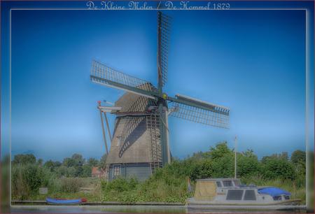De Kleine Molen - De Hommel 1879 - De Kleine Molen of De Hommel is een in 1879 gebouwde poldermolen aan de Hommeldijk in Haarlem. In 1972 en 1991 is de molen gerestaureerd. - foto door Willem Thepen op 02-07-2019