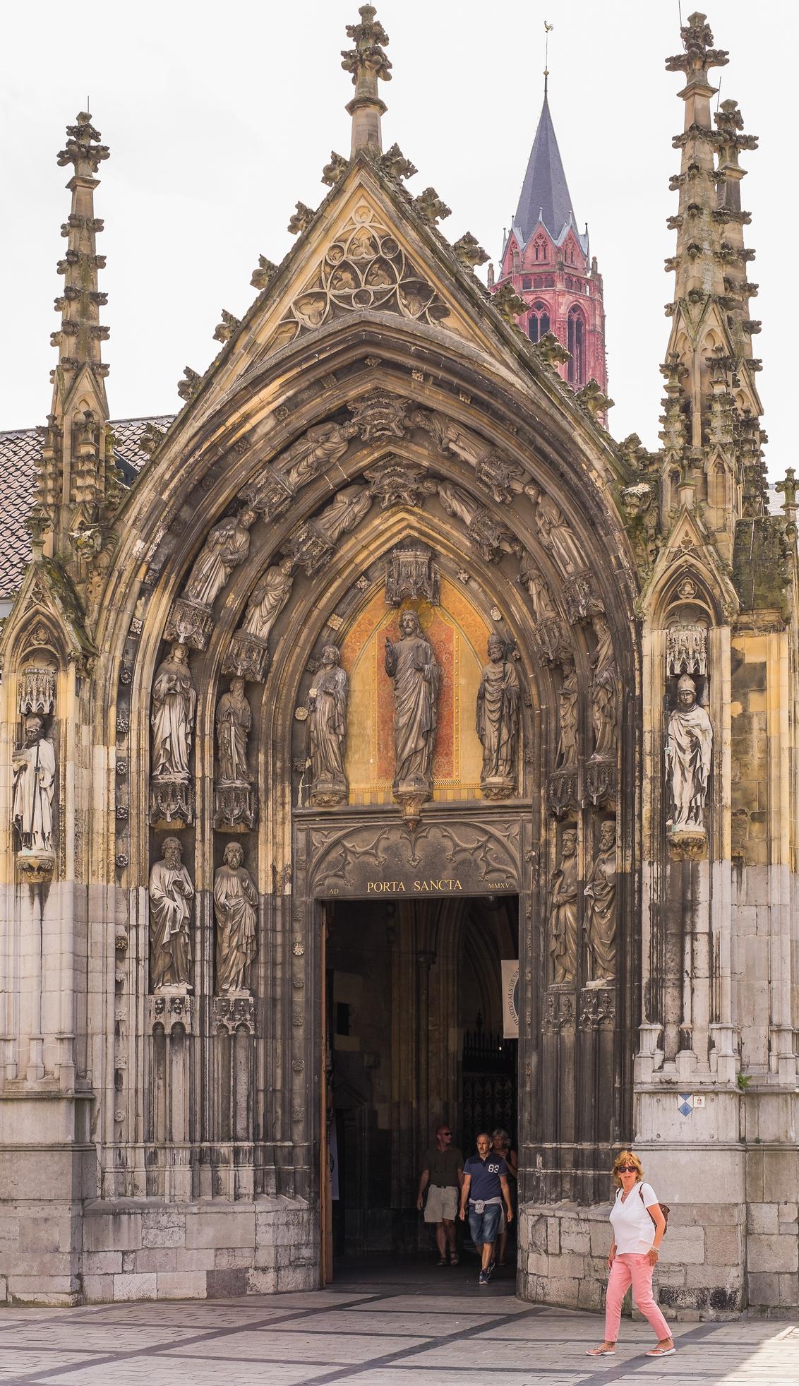* Porta Sancta * - - - foto door AriEos op 06-12-2020