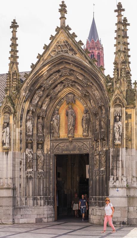 * Porta Sancta *