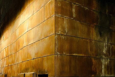 The Wall - Een opslagtank in de Centrale van Peenemunde - foto door fap op 03-02-2014 - deze foto bevat: oud, foto, urban, verlaten, vervallen, hdr, duitsland, urbex, peenemunde, oost, bunkers, ddr, tonemapping, nuclear, atoom, armament, voormaling, fap., kernwapens, Beauty of decay