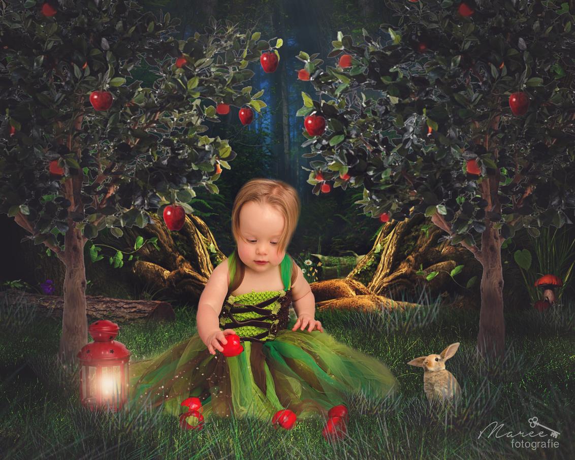 Sweet forest girl - - - foto door Martine-dirksma op 30-12-2015 - deze foto bevat: portret, bewerkt, fantasie, bewerking, sfeer, photoshop, creatief, sprookje, bewerkingsuitdaging