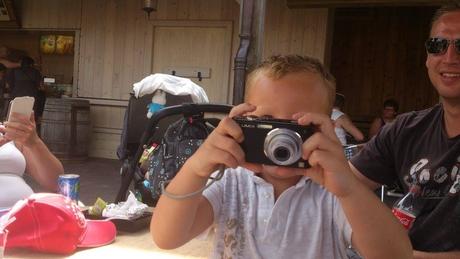 Jayden maakt ook foto's.jpg