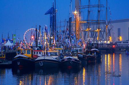 De avond Valt - Sai Vlissingen ..Wat een geweldig feest hier in Vlissingen. - foto door Sizzle op 24-08-2013 - deze foto bevat: vlissingen, Sail De Ruyter, schepen ..