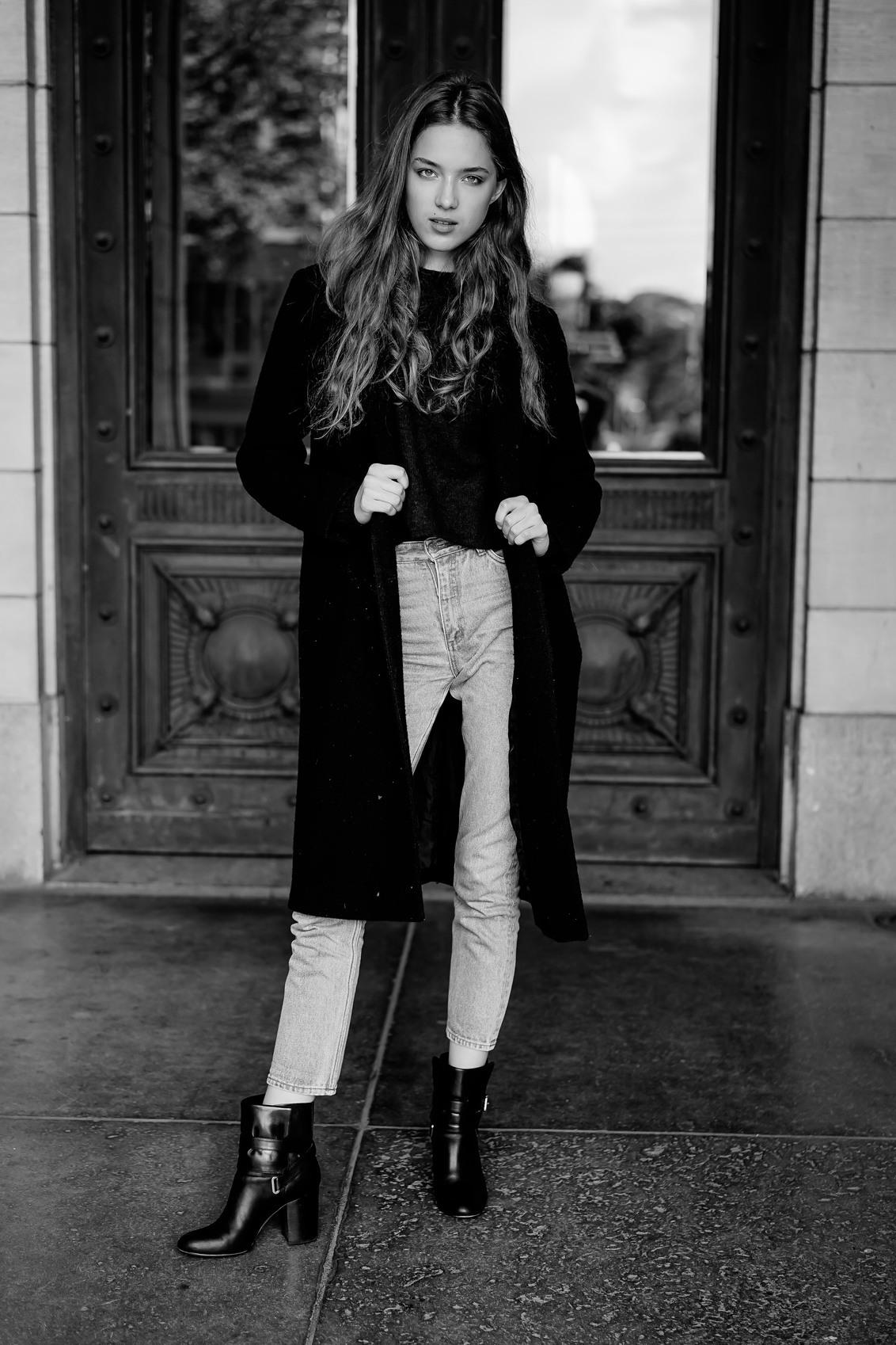 Maria - - - foto door Kayleesfotografie op 18-09-2017 - deze foto bevat: vrouw, licht, portret, model, fashion, vintage, beauty, zwartwit, pose, belichting, expressie, magazine, retro, bokeh, commercial, styling, editorial, fashionfotografie