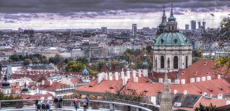 Praag de stad. - De stad praag in HDR klein beetje een grijs tintje aangegeven. - foto door jeroenbax op 05-11-2016 - deze foto bevat: architectuur, reizen, stad, praag, city, tsjechie, hdr, toerisme, europa