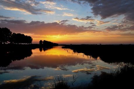 Sunset Huissen Gelderland.jpg