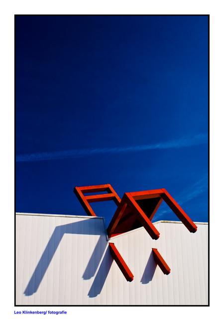 Stoel - vaak rij ik er langs. met die mooie blauwe lucht erbij ben ik maar gestopt. - foto door LeoKlinkenberg op 09-04-2010 - deze foto bevat: stoel, leoklinkenberg