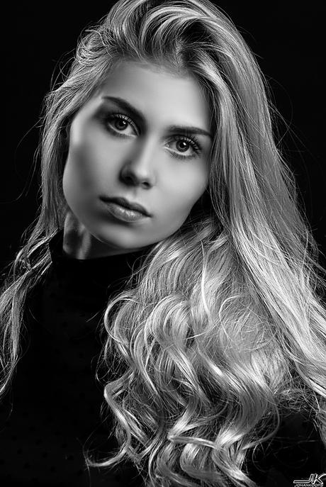 Zwartwit portret van mooie Patricia