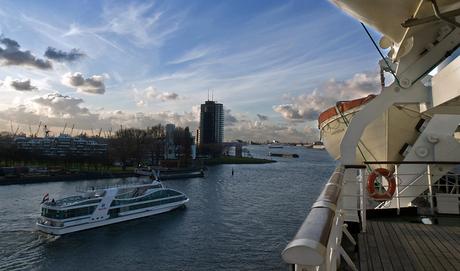 ss Rotterdam V