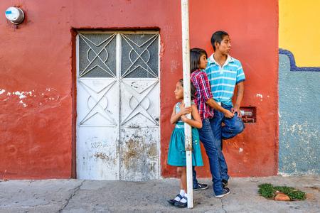 kleurbalans - Dia de Muertos Oaxaca Mexico (Allerzielen) - foto door willemku_zoom op 18-09-2019 - deze foto bevat: straatfotografie, festival, oaxaca, dia de muertos