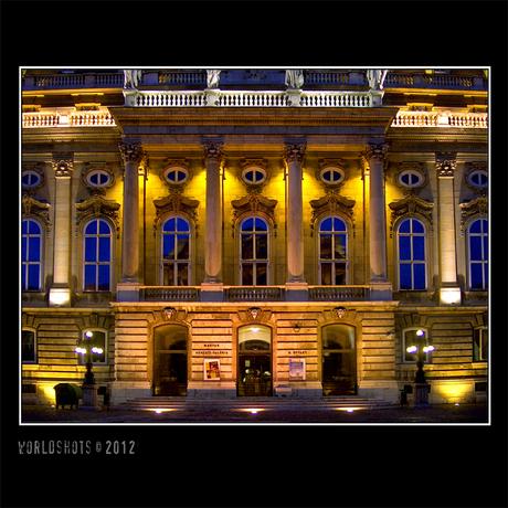 verlicht paleis