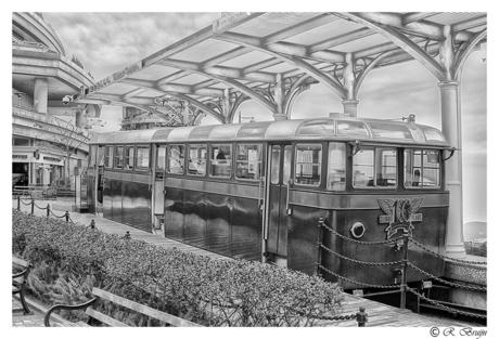Peak Trein Hong Kong.jpg