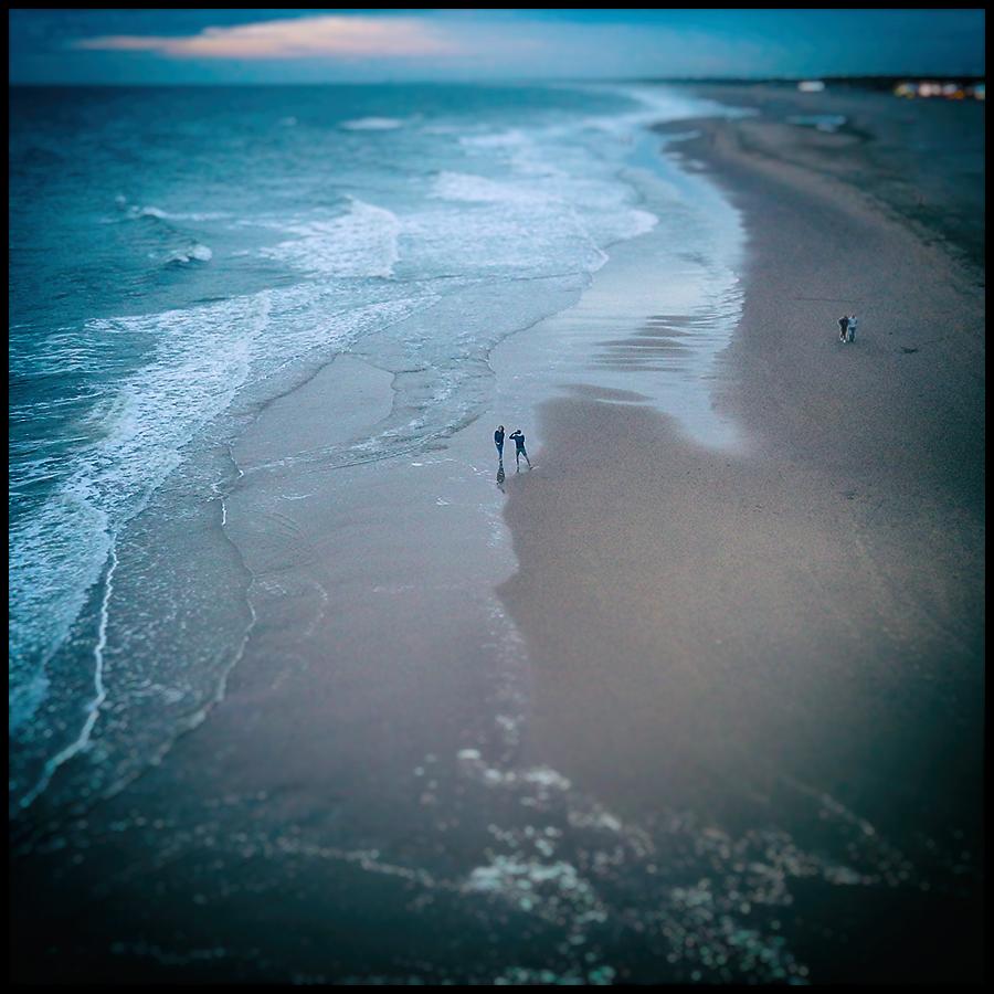 Scheveningen. - - - foto door Wulp op 09-01-2017 - deze foto bevat: wolken, strand, zee, panorama, natuur, licht, winter, zonsondergang, landschap, storm, zand, pier, kust