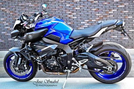 Yamaha - De naked bike, MT10 Yamaha. Maak je dromen waar ;-) - foto door Twist_zoom op 27-02-2021 - deze foto bevat: blauw, stoer, motor, buiten, yamaha, mt10, naked bike