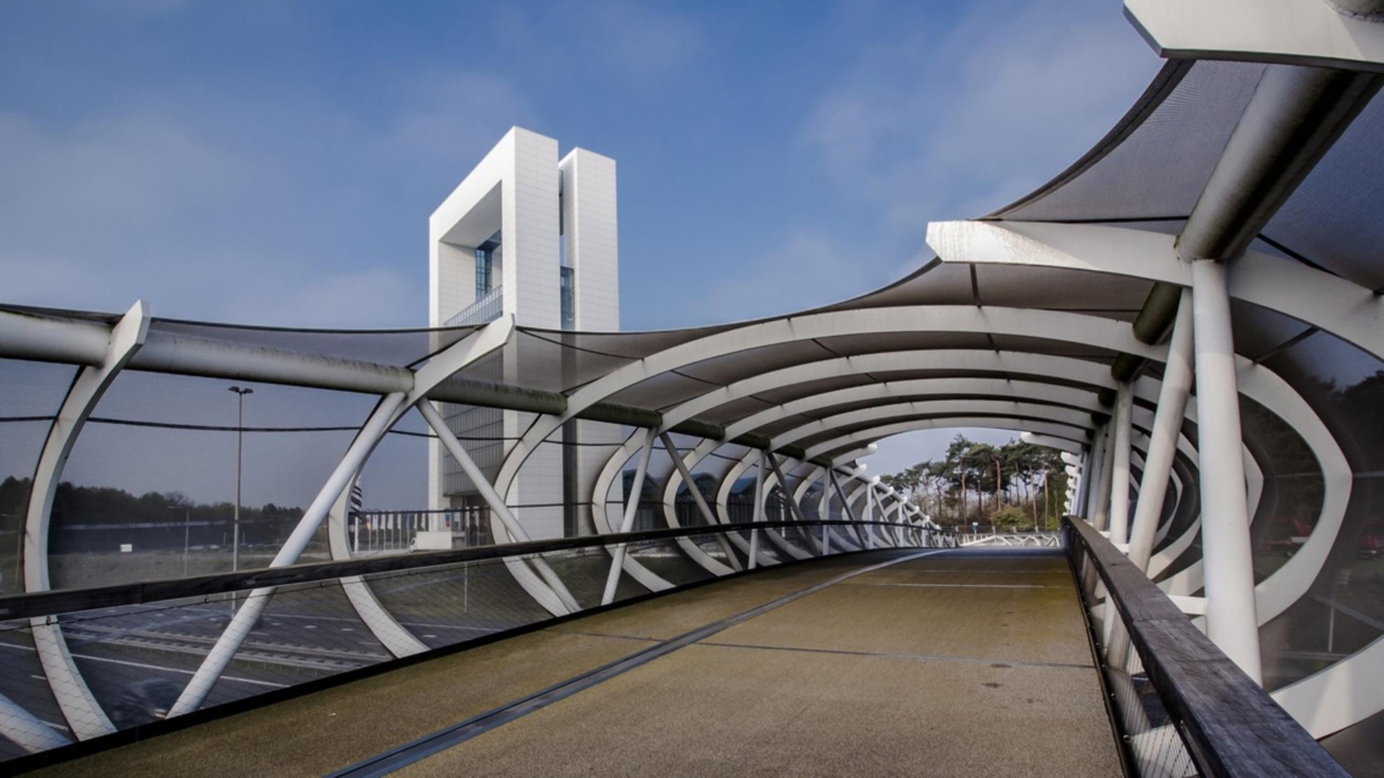 Innovatoren - Innovatoren,  Al eerder geplaatst in z/w, nu in kleur. Wat is jullie voorkeur??? - foto door HenkPijnappels op 05-06-2015 - deze foto bevat: architectuur - Deze foto mag gebruikt worden in een Zoom.nl publicatie