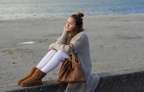 Chalrose Handbags & Accents Winter