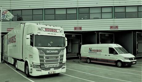 20210428  145028  ROOBOS  trucks Flora Holland  Filter Vanilla  28 april 2021