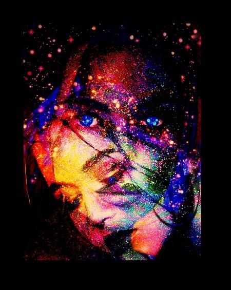 Partyfaces - laten we het gezellig maken samen - foto door Gooiseroos op 11-04-2021 - locatie: 1261 Blaricum, Nederland - deze foto bevat: rechthoek, kunst, elektrisch blauw, lettertype, duisternis, magenta, grafische afbeeldingen, beeldende kunsten, fictief personage, symmetrie