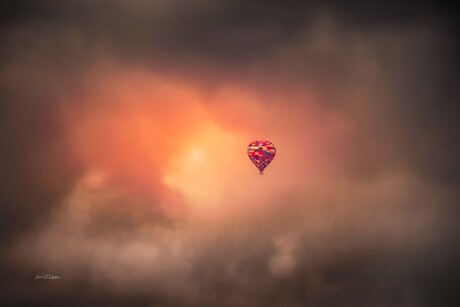 Luchtballon, Varen op de wind. Zucht ...