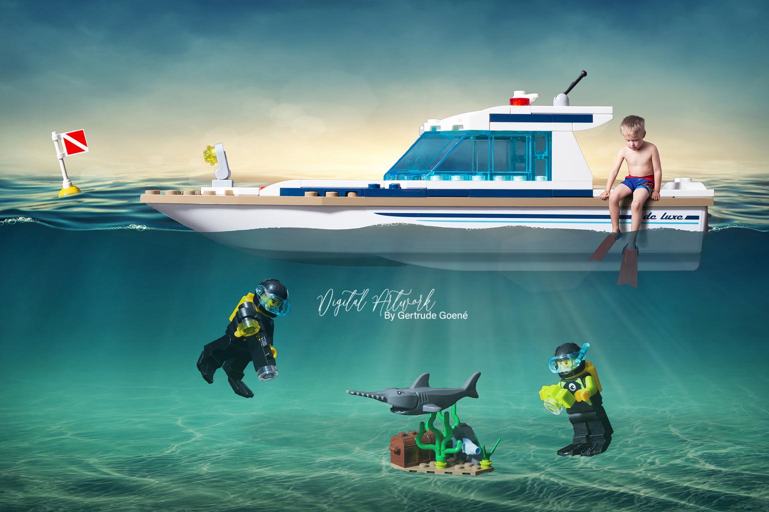 Duiken naar de schat - Hier mocht Aryen mee met zijn Lego duimmaatjes om te gaan duiken naar de schat. Wat een lol hadden we in het maken van dit beeld zeg!  - foto door LegoUniverseAryen op 16-04-2021 - deze foto bevat: lego, fotograaf, boot, water, azuur, naval architectuur, waterscooters, voertuig, vrije tijd, boten en varen - uitrusting en benodigdheden, recreatie