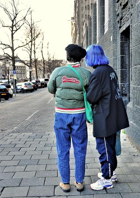 Meer Blauw op straat . .