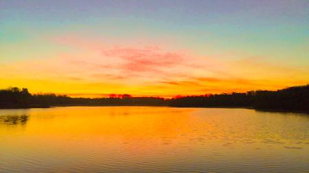 Schoonhoven  - Deze locatie bij zonsopkomst 👌👌 - foto door snippephotography op 11-04-2021 - locatie: Schoonhoven, 7913 Hollandscheveld, Nederland - deze foto bevat: wolk, water, lucht, atmosfeer, nagloeien, natuurlijk landschap, oranje, rode lucht 's ochtends, zonlicht, schemer