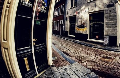 the dancing doors