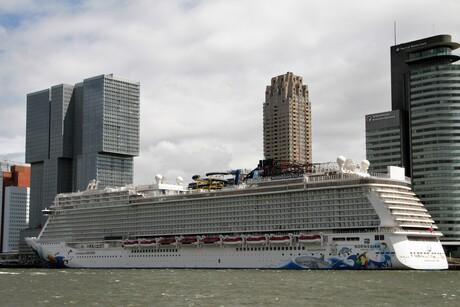 Cruiseterminal Rotterdam.