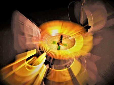 Kompas - Iedereen weer bedankt voor de complimenten en reaktie's van mijn vorige opname's - foto door awduijts op 16-04-2021 - locatie: Benidorm, Alicante, Spanje - deze foto bevat: amber, lijn, gas, tinten en schakeringen, symmetrie, recreatie, cirkel, ruimte, kunst, patroon