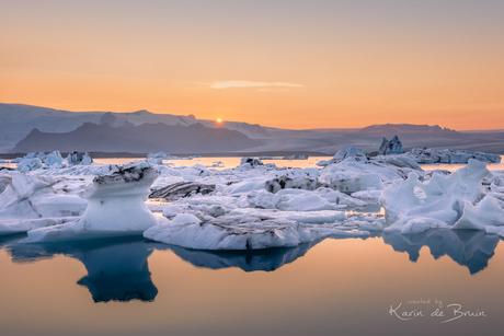 Last Sun over Jökulsárlon Glacier Lake!