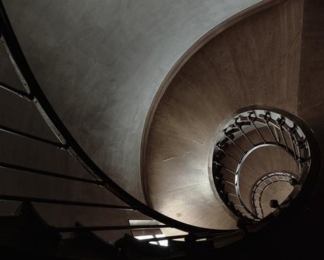 Een trappenhuis als een slakkenhuis.