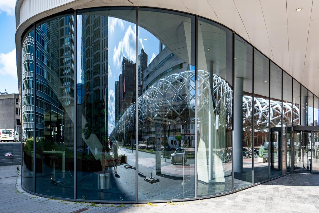 Den Haag 4 - XXX - foto door Jaap93 op 14-04-2021 - locatie: Den Haag, Nederland - deze foto bevat: den haag, gebouw, architectuur, venster, stedelijk ontwerp, armatuur, lucht, facade, wolk, stad, glas