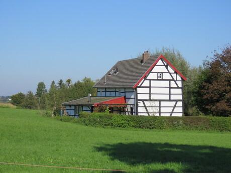 Vakwerkhuis rond Epen