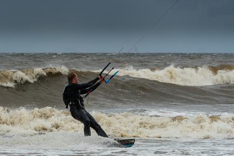 Storm aan dec kust